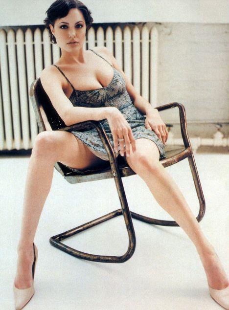 Jolie'nin şok pozları - 37